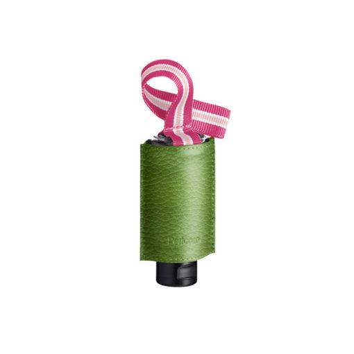 Schicker Taschenanhänger aus Leder mit RefreshME_Handdesinfektionsgel