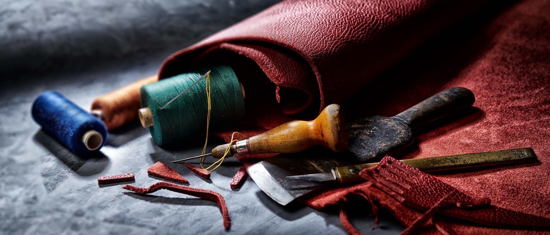 Handgenähte Leder Taschenanhänger von Pericosa
