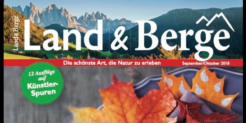 Land und Berge: Leder-Etui mit Handgel on tour