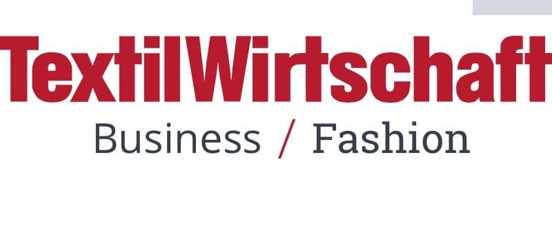 TextilWirtschaft: Leder-Etui mit Handgel to watch